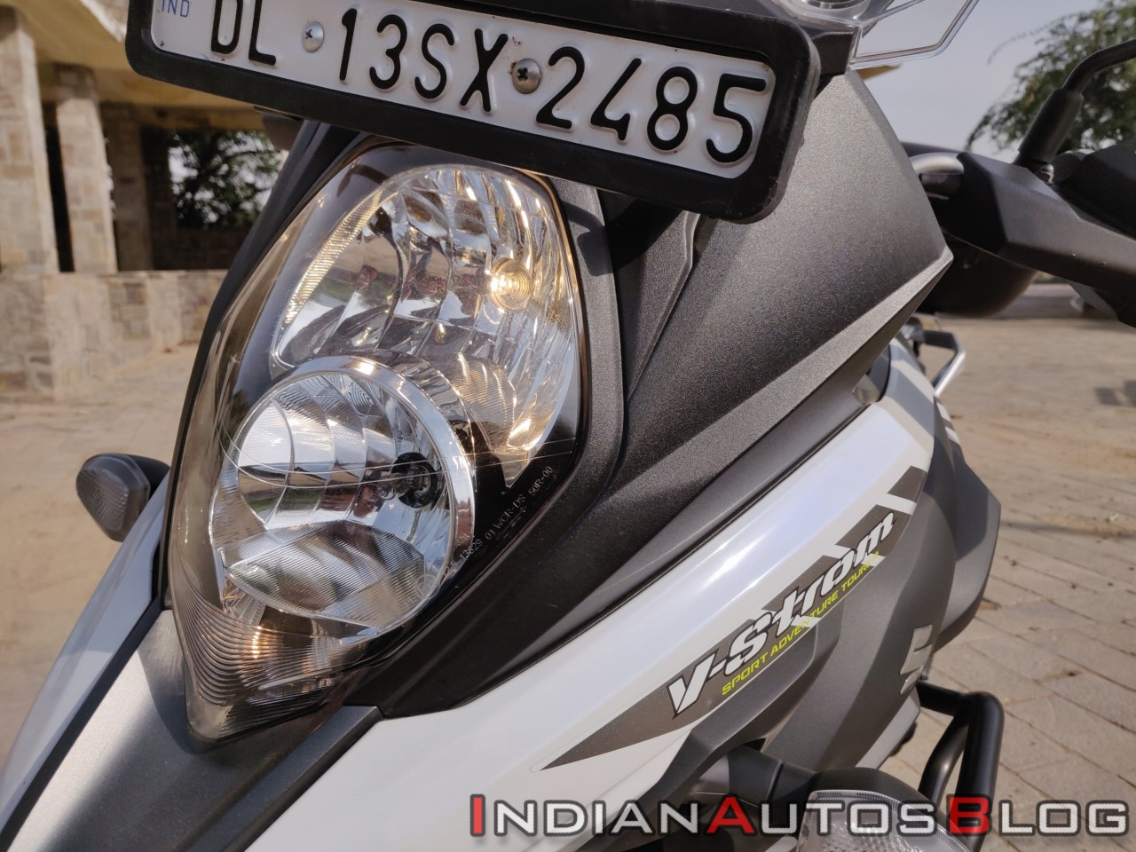 Suzuki V Strom 650 Xt Details Headlight Close Up