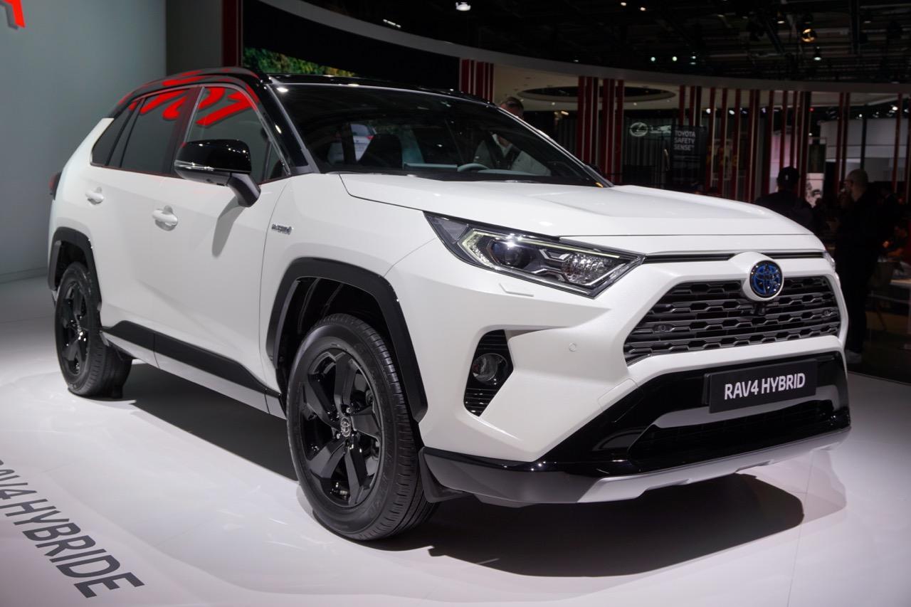 2019 Toyota Rav4 Hybrid Images Front Three Quarter