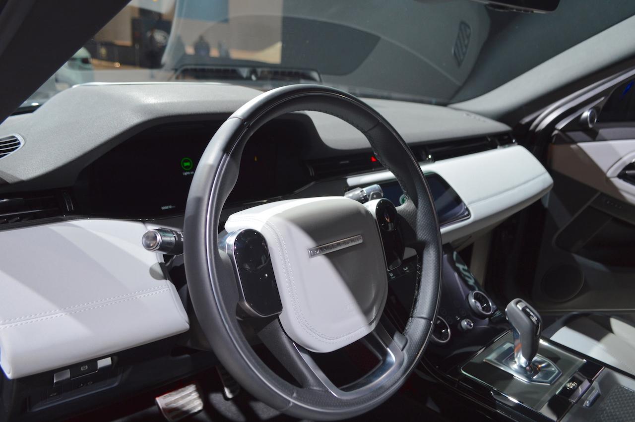 2019 range rover evoque interior at 2019 chicago a