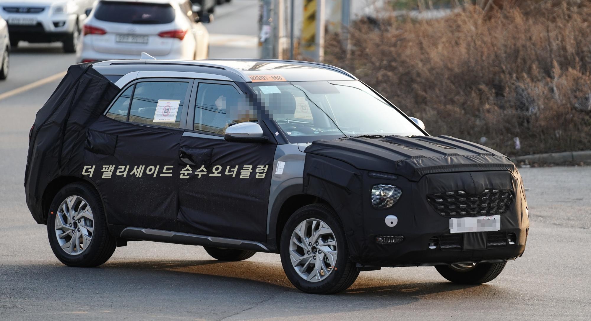 2020 - [Hyundai] Creta II/ IX25  - Page 2 7-seat-hyundai-creta-spy-shot-indianautosblog-com-4c7c