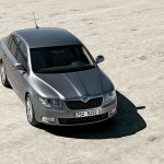 skoda-superb-new-02