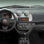 2010 Fiat Uno dashboard