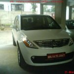 Tata_Aria_spied_test_mule_alloy_wheels