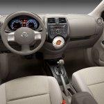 Nissan Sunny Sedan 6