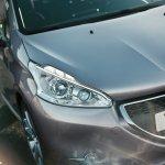 Peugeot 208 headlamps