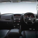 2012 Mitsubishi Pajero facelift interiors