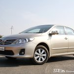 Facelifted_Corolla_Altis_side