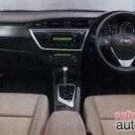 2013 Toyota Auris dashboard