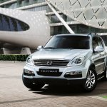 Ssangyong Rexton W front three quarters