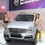 Ssangyong Rexton w front