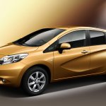 2013 Nissan Note front three quarters