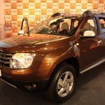 Renault Duster front three quarters