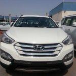 2013 Hyundai Santa Fe front profile