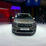2013 Dacia Logan MCV front
