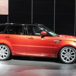 2014 Range Rover Sport front three quarter left