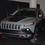 2014 Jeep Cherokee front three quarter