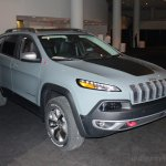 2014 Jeep Cherokee front three quarter right