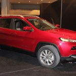 2014 Jeep Cherokee front three quarters right