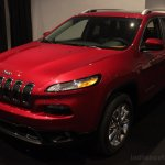 2014 Jeep Cherokee front three quarters left