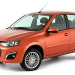 2013 Lada Kalina front three quarters