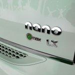 2013 Tata Nano emax CNG logo