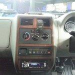 2013 Tata Sumo Gold center console