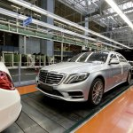 2014-Mercedes-Benz-S-Class-production-start-roll-out-assembly-line