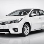 2014 Toyota Corolla European version front three quarters angle