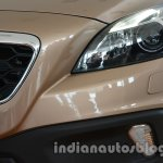 Headlamp and grill of the Volvo V40 Cross Country
