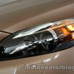 Headlight of the Volvo V40 Cross Country