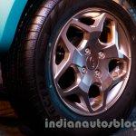 Mahindra Vibe Champagne alloy wheels