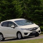 2014-Honda-Jazz-Fit-Hybrid-front-three-quarter-turn-02