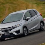 2014-Honda-Jazz-Fit-Hybrid-front-three-quarter-turn