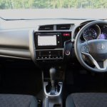 2014-Honda-Jazz-Fit-Hybrid-interior-02
