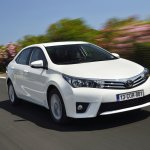 2014 Toyota Corolla European specification front view