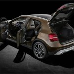 Mercedes GLA doors open