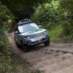 Range Rover Hybrid front