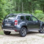 2014 Dacia Duster rear three quarter