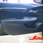 2014 Honda Fit door