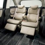 2014 Honda Odyssey ivory interior sliding captain seats
