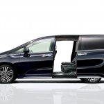 2014 Honda Odyssey side