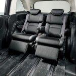 2014 Honda Odyssey sliding captain seats