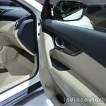 2014 Nissan X-Trail door panel