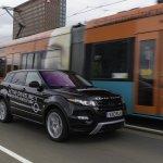 2014 Range Rover Evoque 9-Speed front three quarter with tram