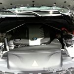 Engine bay of the 2014 BMW X5 M50d