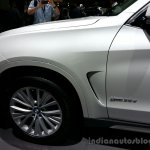 Front fender of the 2014 BMW X5