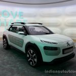 Front right three quarter of the Citroen Cactus Concept