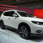 Front three quarter of the 2014 Nissan X-Trail 5+2