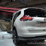 Rear three quarter of the 2014 Nissan X-Trail 5+2
