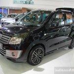 Suzuki Karimun Wagon R luxury front three quarters